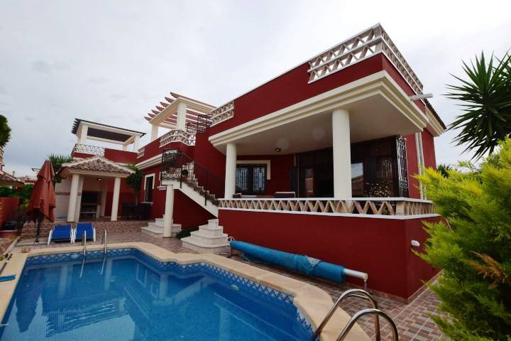 Sale - Villa / House - Alicante - Algorfa